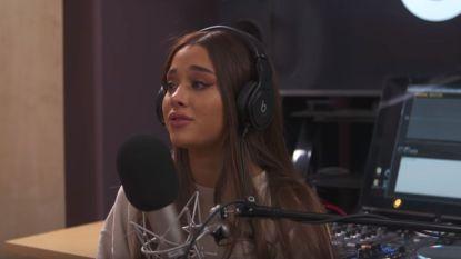 Ariana Grande barst in tranen uit tijdens interview over aanslag Manchester