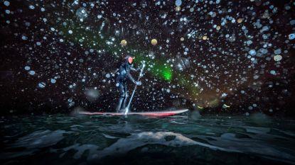 Wow: even een potje surfen onder het noorderlicht