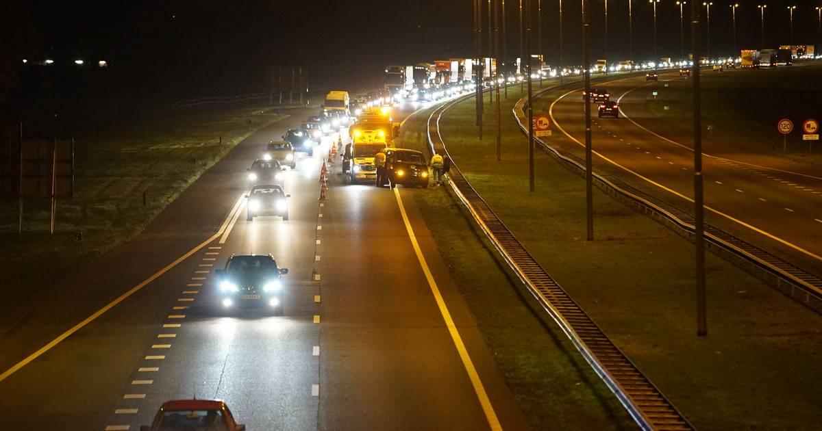 Ongeval op A50 hindert verkeer tussen Apeldoorn en Vaassen.