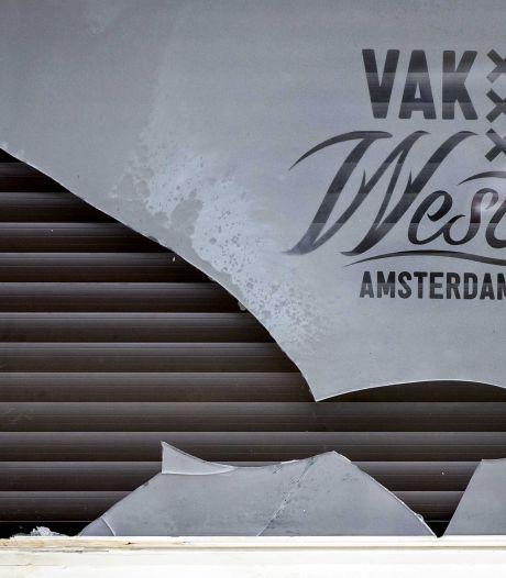 Vuurwerkbom bij café Vak West: 'Wij zijn een Ajaxcafé, geen hooligancafé'