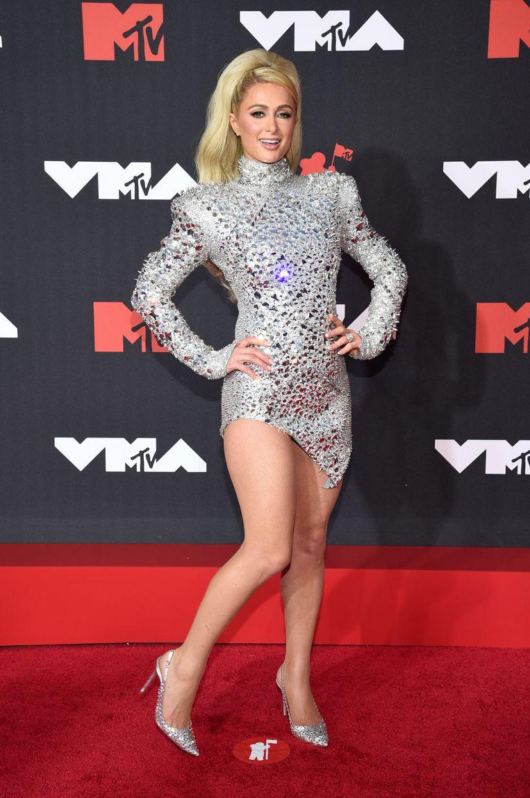 Paris Hilton in haar discobal-outfit. Beeld Evan Agostini/ Invision/AP