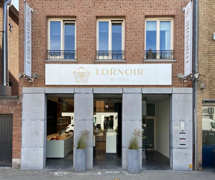 Lornoir by Jens is gevestigd op de Turnhoutsebaan 262