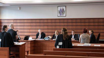 """Vader riskeert 8 jaar cel voor doodschudden van baby: """"Door jou is Daantje nooit verder gekomen dan maatje 56"""""""
