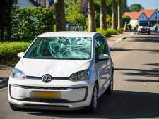 Fietser raakt zwaargewond bij botsing met auto in Doornenburg