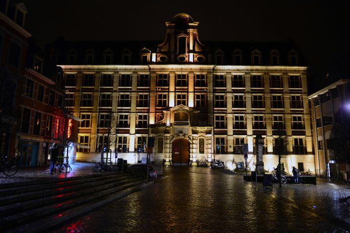 Tegen 2030 worden alle Leuvense pleinen en straten verlicht met duurzame ledtechnologie.
