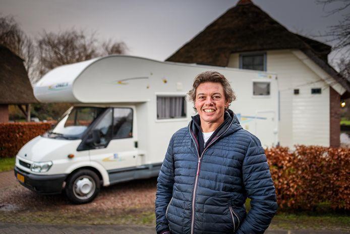 Albert Worst uit Giethoorn gaat vanaf zondag door Europa trekken met zijn camper.