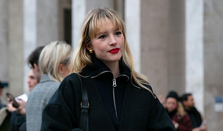 Zangeres Angèle is te zien in nieuwe campagne van Chanel.