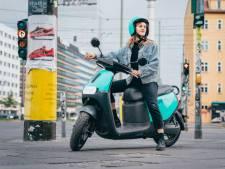 Hoe werkt het, waar staan ze: álles wat je moet weten over deelscooters en -fietsen