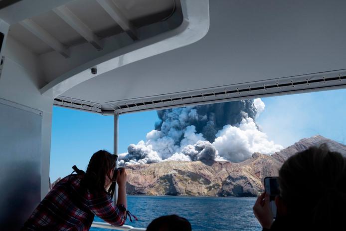 D'autres touristes, qui circulaient en bateau, ont échappé au drame