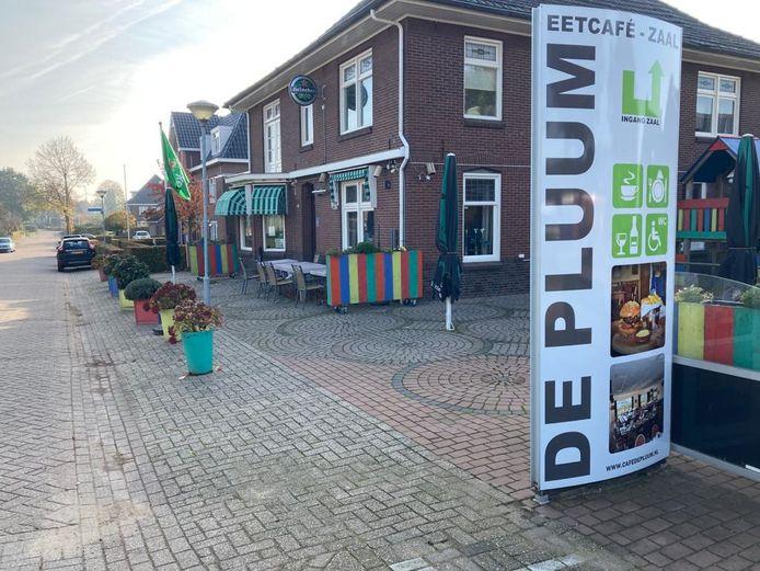 Eetcafé-zaal De Pluum in Stokkum