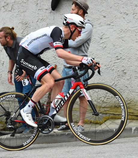 Tilburger Sam Oomen vliegt top 10 van Giro binnen