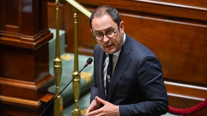 Van Quickenborne naar rechter en Europese Commissie in strijd tegen Franse windmolens