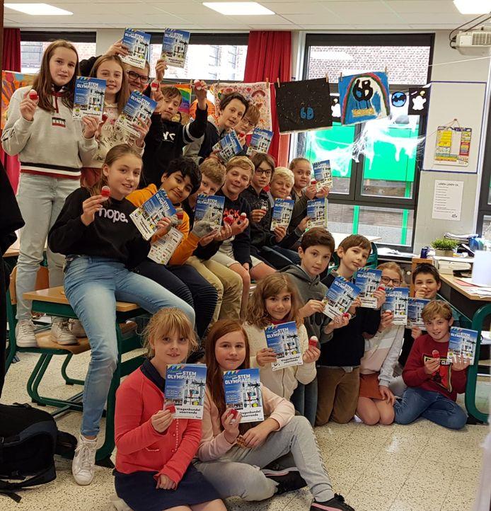 Alle leerlingen kregen een STEM-gom als dank voor hun deelname.