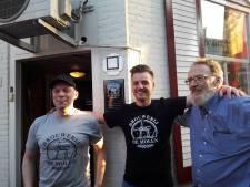 Super(bar)man Rob van De Troubadour biedt naast biertje ook hulp 'als-ie da kan dan'