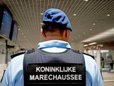 Tien aanhoudingen voor drugssmokkel via bloemen Schiphol