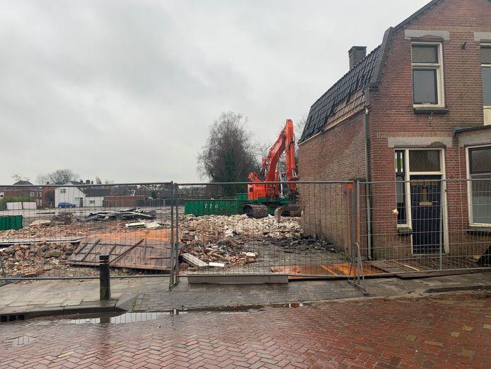 Kelders en fundamenten van de voormalige fabrieken worden verwijderd. Over enkele maanden start de bouw van Heerehoeve in centrumplan Gilze.