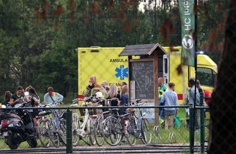 De verschillende slachtoffers kregen hulp van de talrijk toegesnelde ziekenwagens.