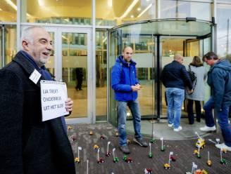 Meer dan 4.400 scholen in Nederland blijven vandaag gesloten, leraren trekken de straat op