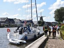 Boot op de Gouwe onbestuurbaar geraakt