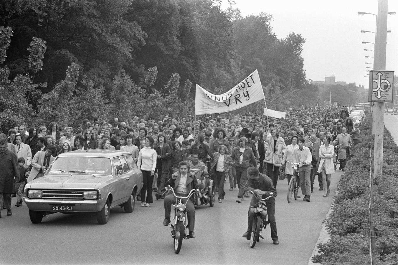 Veel protesten in 1971 voor vrijlating van Rinus.