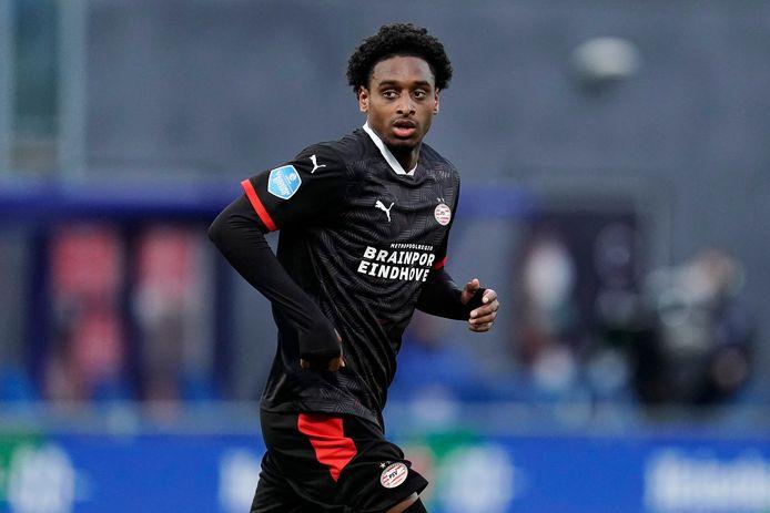 Pablo Rosario tijdens het duel van PSV met PEC Zwolle.