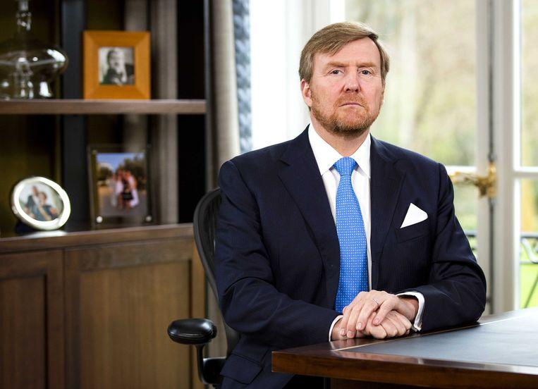 Koning Willem-Alexander hield een toespraak vanuit Paleis Huis ten Bosch over de coronacrisis.  Beeld ANP