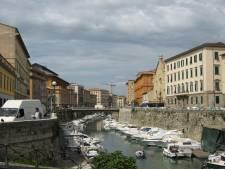 Naakte Nederlander (54) zet Italiaans stadje dagenlang compleet op stelten, opname in psychiatrie