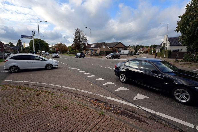 Het kruispunt van de N640 bij Gors en Oude Antwerpsepostbaan wordt 50 per uur. De provincie voegt extra snelheidsremmende maatregelen op.