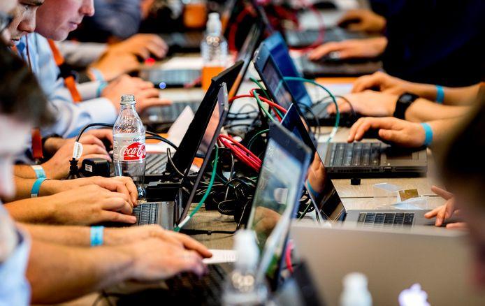 Ondernemers in het midden- en kleinbedrijf in de regio Arnhem-Nijmegen krijgen ondersteuning voor het digitaliseren van de onderneming. Foto ter illustratie
