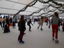 Weer volop ijspret in Oisterwijk, de ijsbaan doet het weer