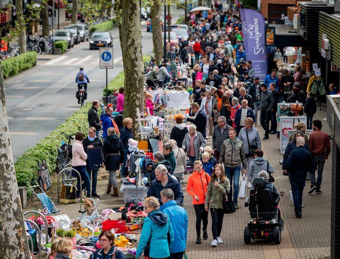 Ook dit jaar worden de ondernemers in het centrum van Nijverdal ontlast. De gemeente heeft ingestemd om de reclamebelasting dit jaar niet te innen, net als vorig jaar.