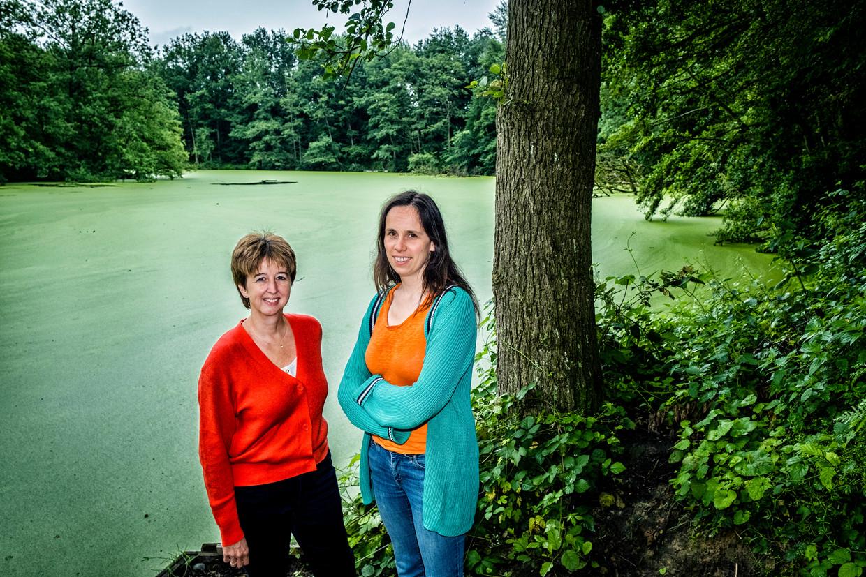 Ann Crabbé (l.) en Sara Vicca. 'Het probleem is dat we veel te traag in actie schieten. Zelfs als we morgen stoppen met alle uitstoot, dan nog gaat de opwarming vele jaren voort.' Beeld Tim Dirven