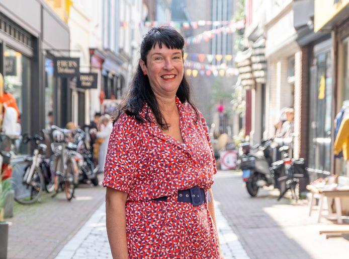 """Jolanda van Boven: ,,Ik ben als vrijwilliger bij de Vlissingse Ondernemers Centrale gekomen om me nuttig te maken en onder de mensen te zijn. Ik ben meer dan mijn ziekte, ik wil wat doen voor de samenleving."""""""