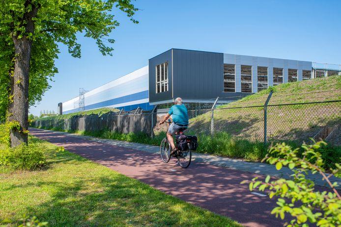 Zicht op Campus A58 vanuit de Zwaanhoefstraat.