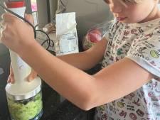 Spruitjes vies? Sara (10) bedacht er iets op: een pizzabodem!