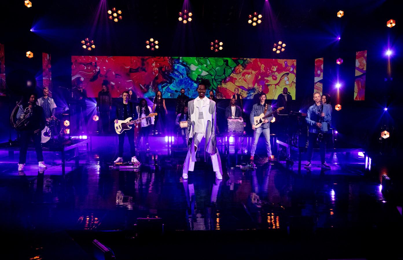 De presentatie van het Eurovisie Songfestival lied van Jeangu Macrooy. Het decor is ontworpen door Mark Vankan en Reinier Reynhout van Maincourse in Eindhoven. Zij maken ook het decor bij de échte show in mei.