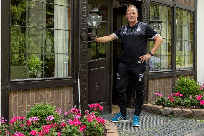 Het is al de 23ste keer dat René Kolmschot op trainingskamp is met Heracles in Billerbeck. De assistent-trainer haalt herinneringen op.