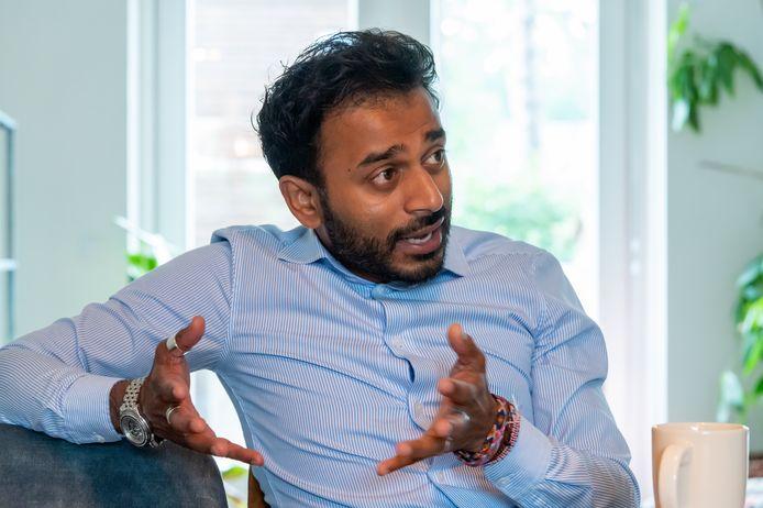 Drie jaar geleden werd verkiezingswinnaar CDA Ermelo onverwacht op een zijspoor gezet en veroordeeld tot de oppositie. Lijsttrekker Sarath Hamstra: ,,Als ik heel eerlijk ben, vond ik dat helemaal niet zo erg.''