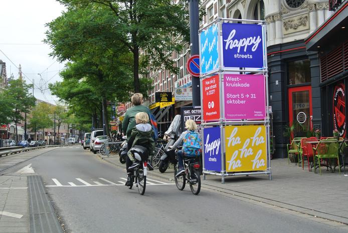 De West-Kruiskade ondergaat een tijdelijke metamorfose tijdens het project Happy Streets.