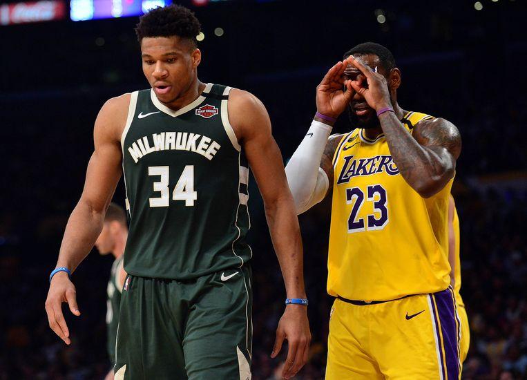 LeBron James met Giannis Antetokounmpo, de absolute sterspeler van de Bucks. Beeld USA TODAY Sports