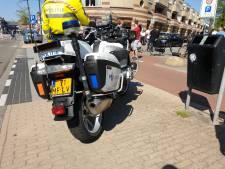 Fietsster gewond na aanrijding met auto in Hengelo