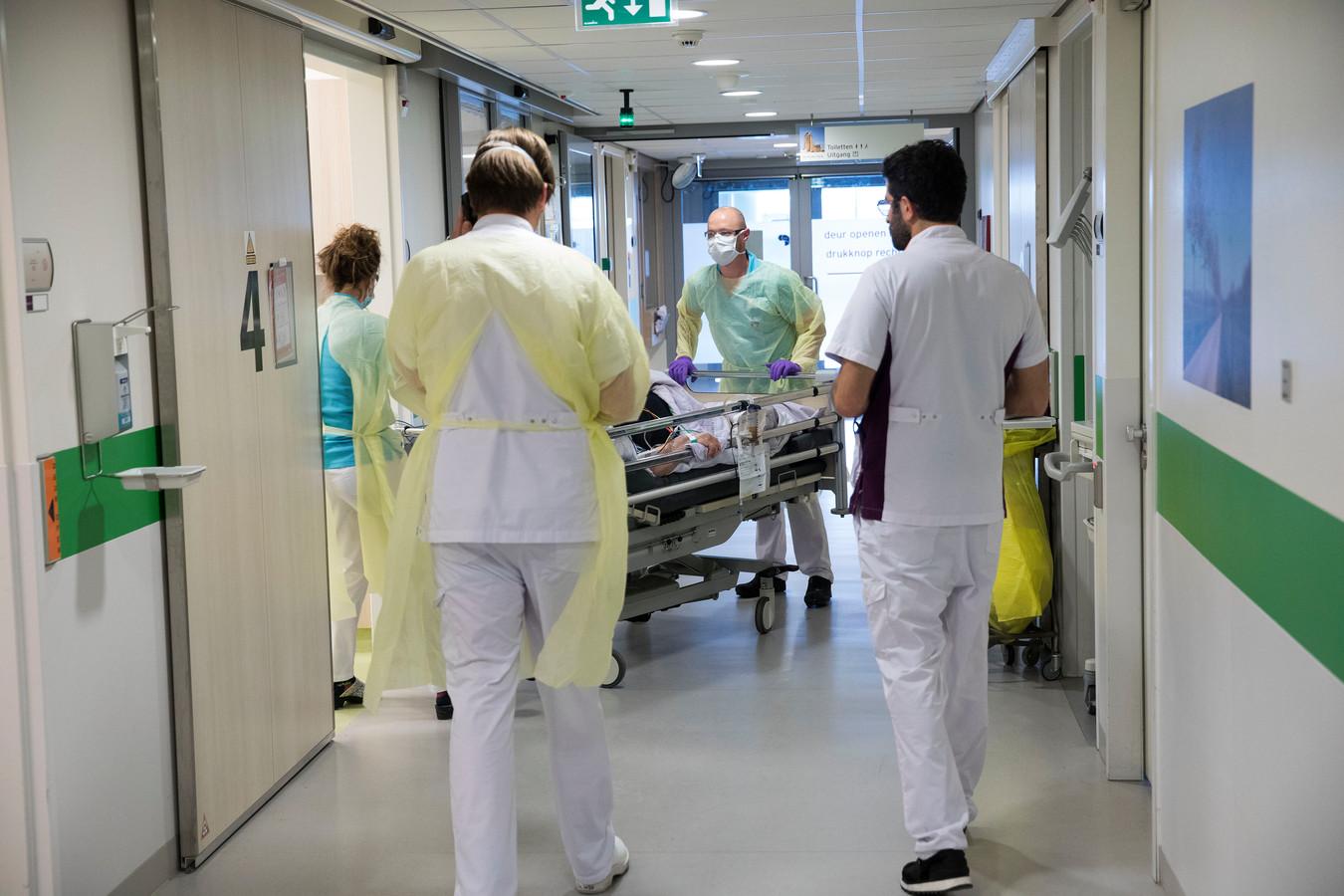 Archiefbeeld ter illustratie: de intensive care in het Albert Schweitzer Ziekenhuis in Dordrecht.