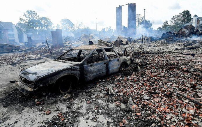 In Kenner brandde een appartementsgebouw af bij de doortocht van Ida.