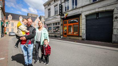 """Jochen en Griet kopen leegstaand pand, maar kunnen eigen garage niet in: """"Blijkbaar wordt die verhuurd aan onze buren... de politie"""""""