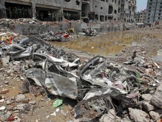 Ruim 24 winkels tekenen charter Bangladesh, Wal-Mart niet