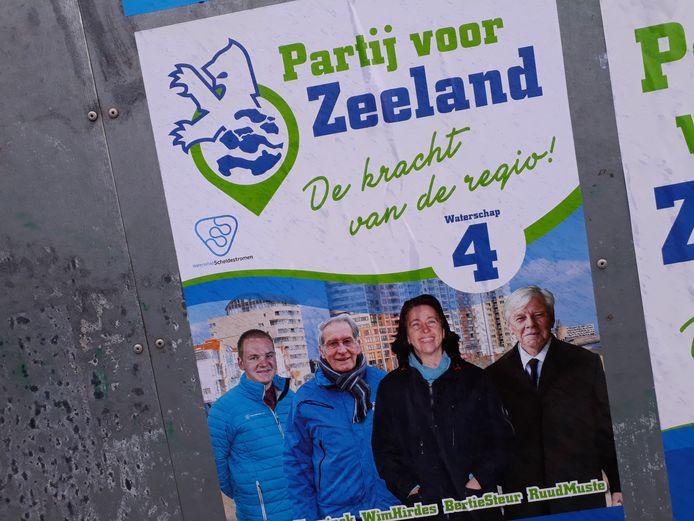 Bertie Steur stond prominent op de verkiezingsposters van de Partij voor Zeeland.