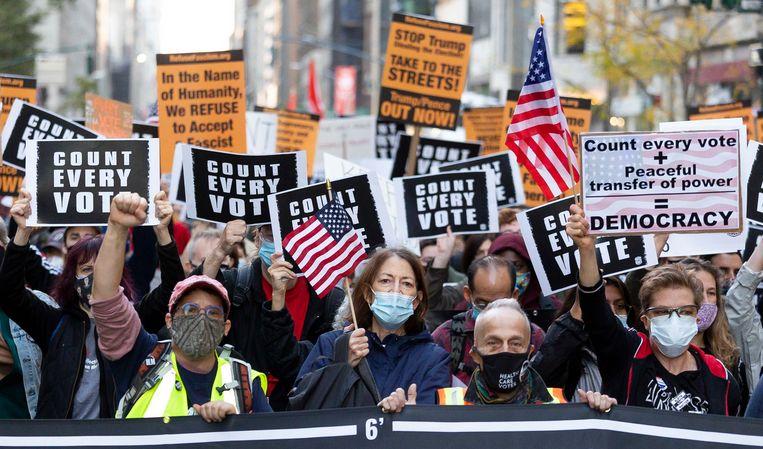 Demonstranten op Fifth Avenue in New York, 4 november 2020. Beeld EPA