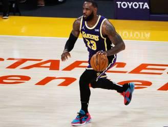 Lakers winnen tegen Charlotte en profiteren van misstap Phoenix