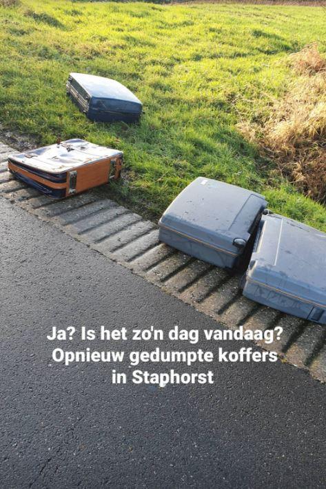 Vier koffers werden gevonden langs de Scholenweg bij Rouveen.