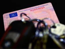 Hardleerse bestuurder die al zes keer zonder rijbewijs werd betrapt mag auto inleveren